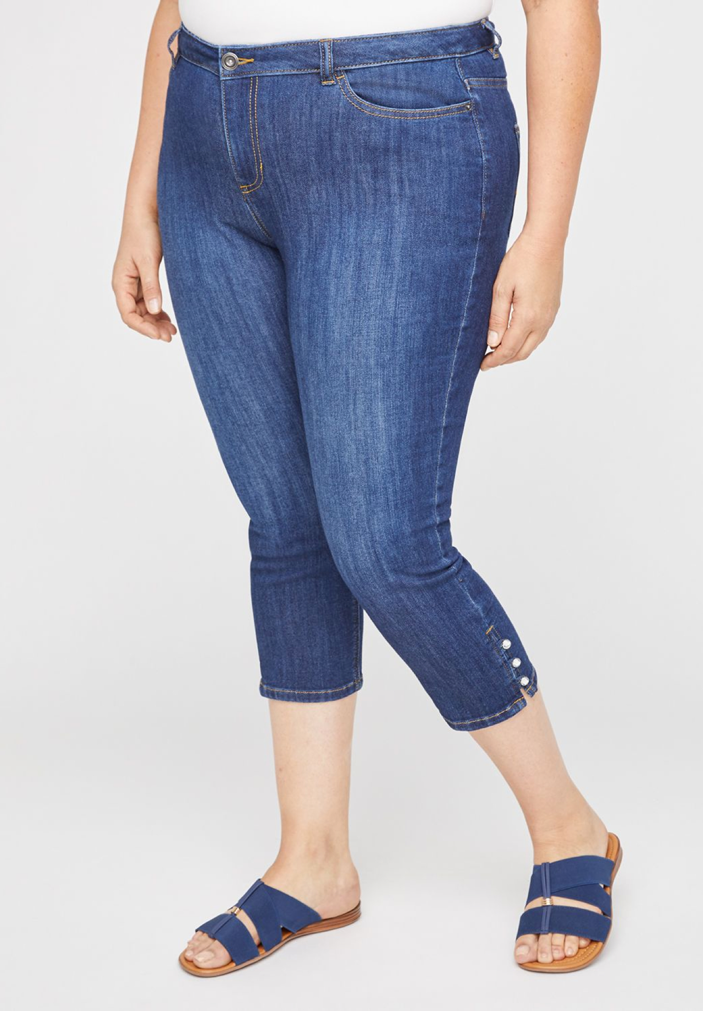 The Button-Hem Jegging Capri,